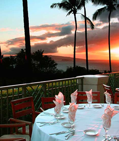 Sunset dinner at Gannon's overlooking Wailea