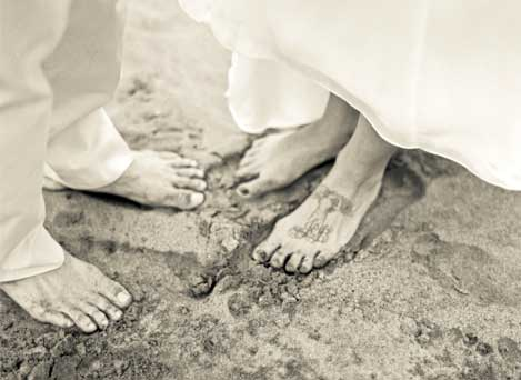 Bare Feet by Clarissa Koenig