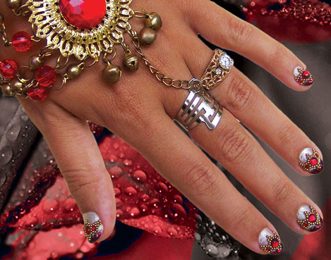 Indian Wedding nail art by Isa Inca
