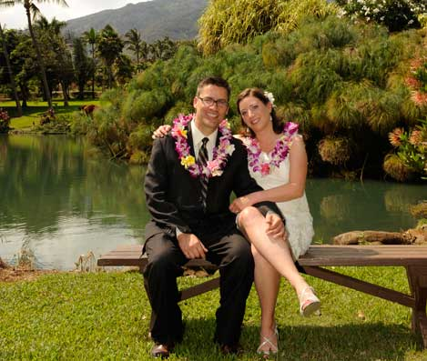 Couple relaxing at Maui Tropical Plantation