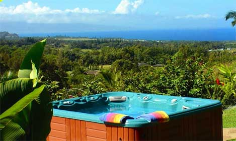 Hot tub with amazing view over Haiku